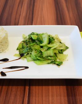 willkommen bei behr mini wok choi pak choi mit sesam. Black Bedroom Furniture Sets. Home Design Ideas